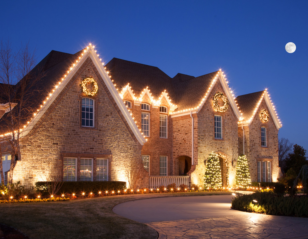 Estate Christmas Lighting in NWA