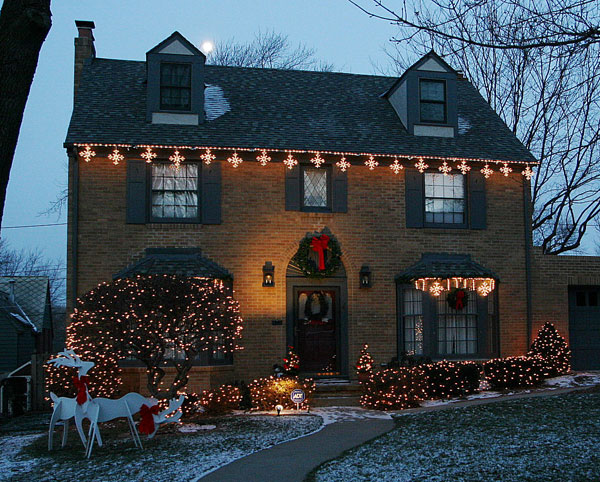 Christmas Cottage with Christmas Lights