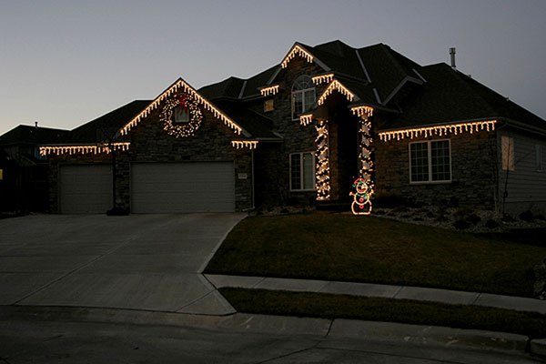 Home Holiday Light Install