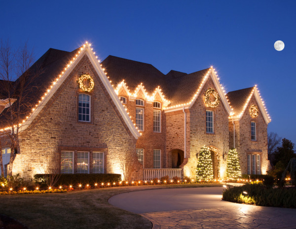 Estate Christmas Lighting in NWA